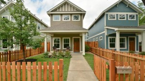5204-martin-avenue-large-002-exterior-front-012-1499x1000-72dpi-750xx2000-1125-0-105